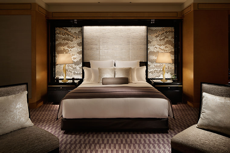 The Ritz Carlton Tokyo (Guest Rooms and Suites)  IMAGE02